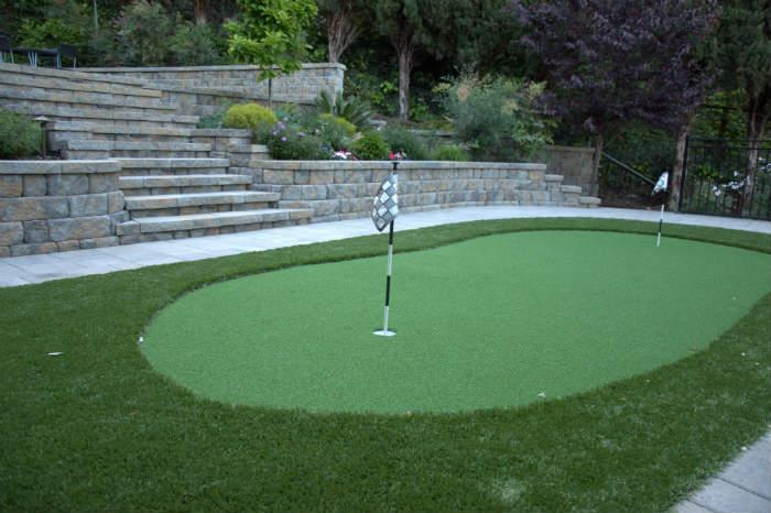 Black Diamond putting green